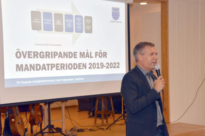 Kommunstyrelsens ordförande, Jan Utbult, informerade på SPF Öckerös höstmöte om vad som ska ske med Öckerös centrala delar.