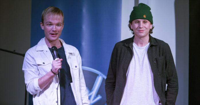 Castingansvariga från Idol, Emil Persson och Buster Söderström, kom till Torslanda för att lyssna på unga sångtalanger.