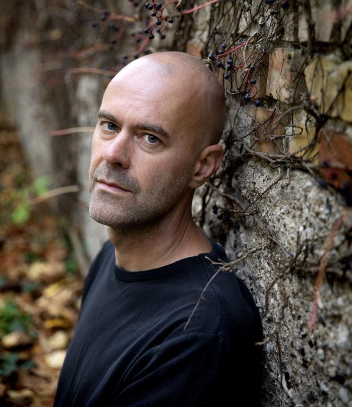 Journalisten Patrik Svensson skrev en av förra årets mest omtalade böcker, Ålevangeliet. Foto: Emil Malmborg