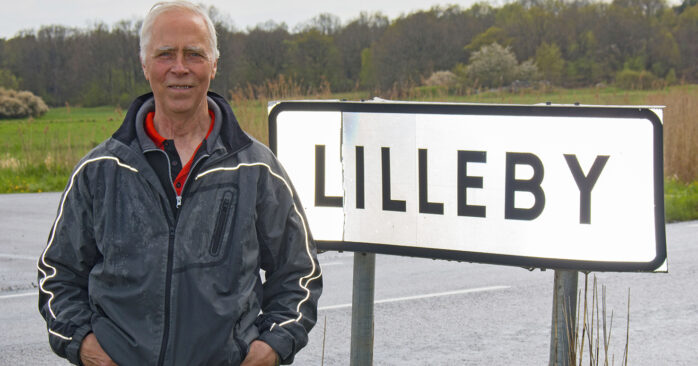 Bosse Berntsson saknar en skylt som visar var Björlanda ligger.